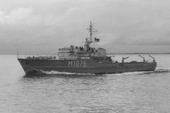Küstenminensuchboot M 1076 PADERBORN, Klasse 320, 690714A-30
